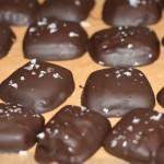 God Jul-hälsning och chokladdoppade lakritskolor