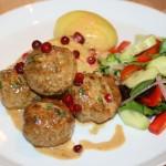 Smakrika köttbullar med lingon och persilja