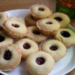 Blåbär- och hallongrottor – perfekt småkaka till sommarfikan