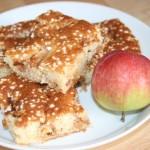 Supersmaskig äppelkaka i långpanna – höstfika!