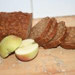 Brödbak och skördetid: Filmjölkslimpa med äpplen, dinkel och havre