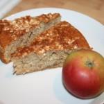 Underbar äppelkaka med mandelmassa och socker/kanel-stekta äpplen