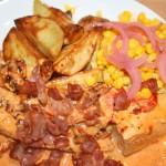 Smakrik kycklinggratäng med ajvar relish, vitlök och bacon