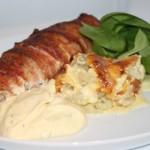 Baconlindad, sweet chili-fylld kycklingfilé med krämig fänkålsgratäng