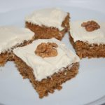 Fantastisk morotskaka med krämig vaniljfrosting – den absolut bästa!
