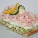 Härlig räksmörgås i LCHF-variant!