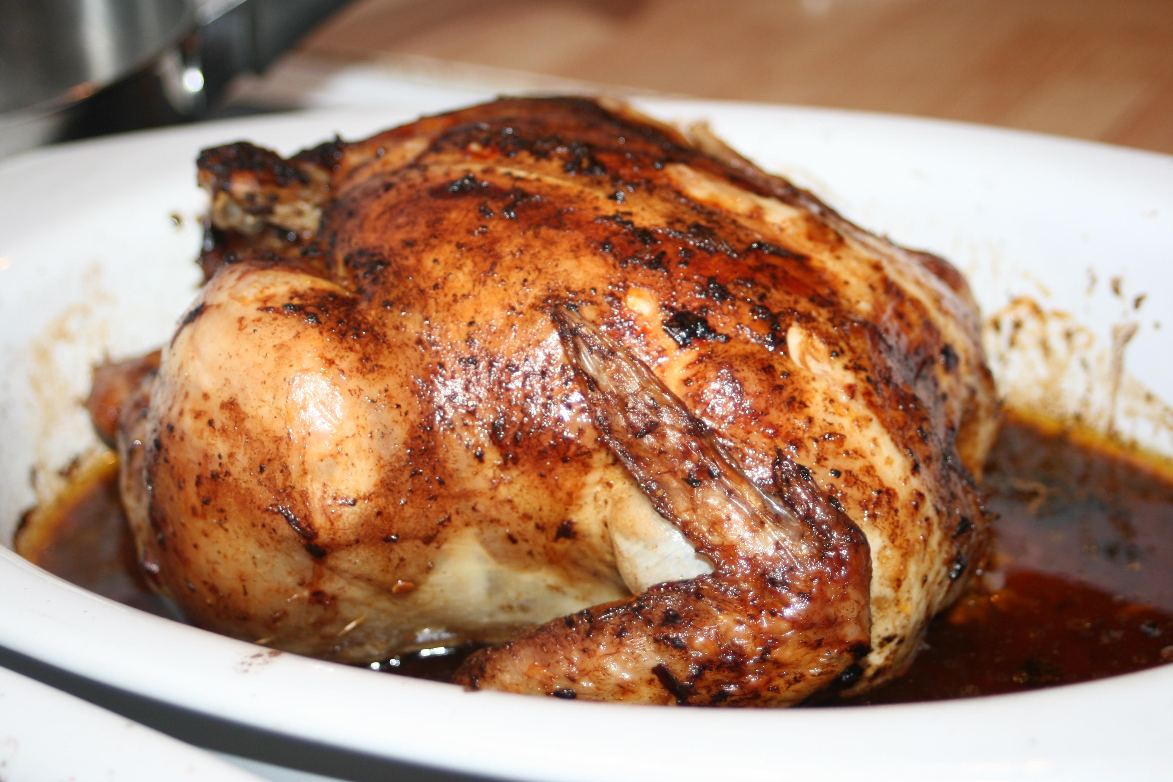 steka hel kyckling i ugn