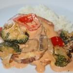 Kasslergratäng med krämig grönsakssås