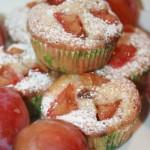 Lättbakade muffins med plommon och mjölkchoklad!