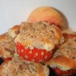 """Äppelpajsmuffins"" – äppelmuffins med havresmuldeg"