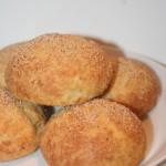 LCHF-frallor med ost och vallmofrön – gott frukostbröd!