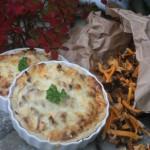 Bästa höstpajen med trattkantareller/trumpetsvamp, bacon och blomkål!