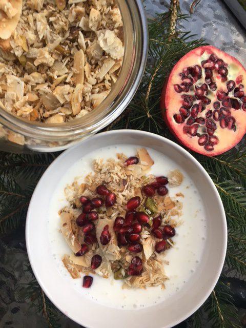 Vintergranola med kokos, vanilj och pistage!