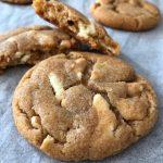 Cookies med salta nötter och vit choklad